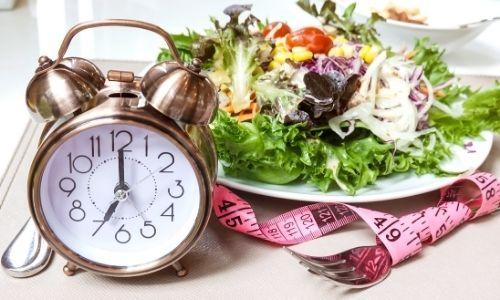 intermittent fasting avýživné jedlo