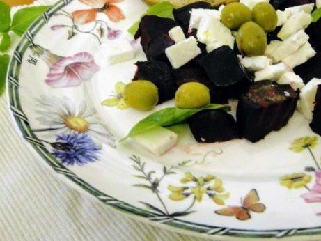 salat z cvikly a kozieho syra